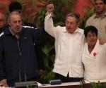 Fidel Castro assiste alla chiusura del congresso dei comunisti cubani