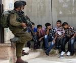 Bambini palestinesi sequestrati da soldati israeliani
