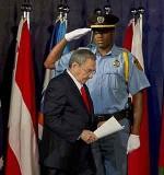 Momento in cui Raul si incammina al podio per offrire il suo discorso in Rio+20, questo giovedì 21 giugno 2012. Foto: Victor R. Caivano / AP