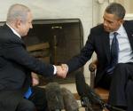 Obama saluta Benjamín Netanyahu primo ministro d'Israele. Foto: AFP