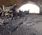 `questo è quello che resta della base siriana dopo l'attacco degli USA