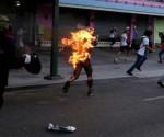 hombre-quemado-en-venezuela-580x326
