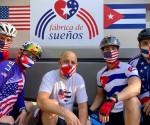 L'attivista cubano-americano Carlos Lazo, insieme ai suoi figli e collaboratori, all'inizio di un giro in bicicletta contro il bloqueo statunitense contro Cuba. Foto: Archivio